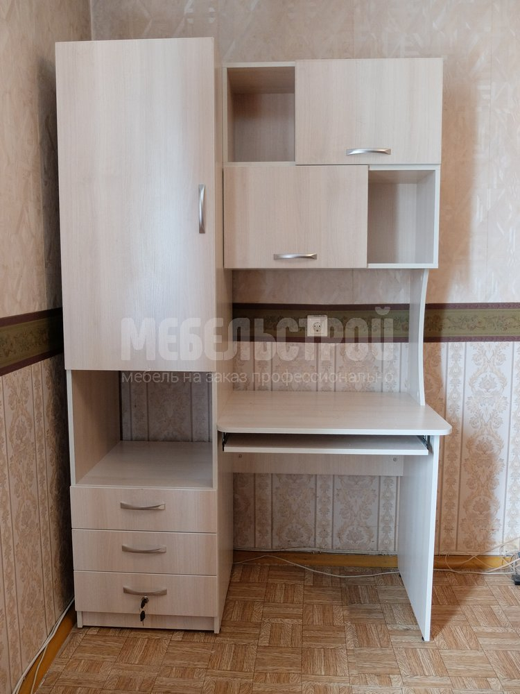 Компьютерные столы на заказ в Севастополе. Мебельстрой